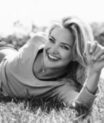 Fabletics; Kate Hudson brings women an affordable quality athletic line